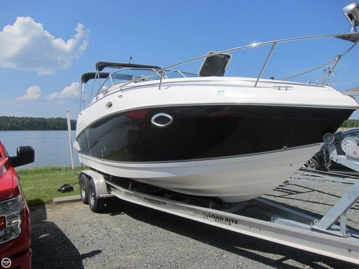 2007 Rinker 250 Express Cruiser Photo 2 sur 20