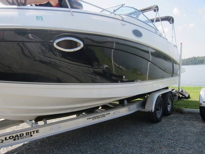 2007 Rinker 250 Express Cruiser Photo 9 sur 20