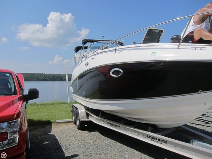 2007 Rinker 250 Express Cruiser Photo 12 sur 20