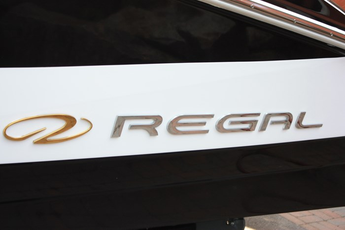2011 Regal 2300 Bowrider with Trailer Photo 4 of 12