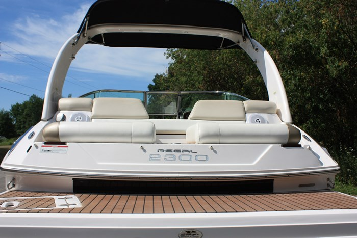 2011 Regal 2300 Bowrider with Trailer Photo 5 of 12