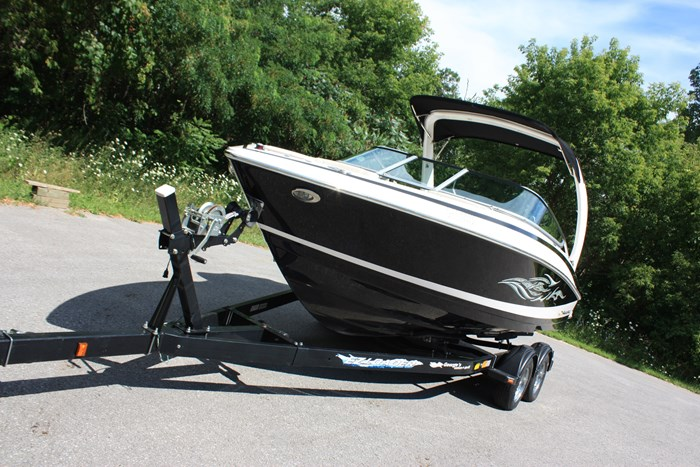 2011 Regal 2300 Bowrider with Trailer Photo 6 of 12