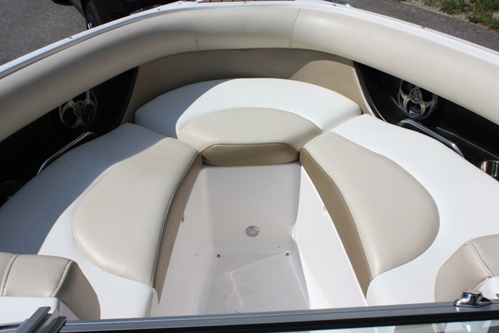 2011 Regal 2300 Bowrider with Trailer Photo 8 of 12