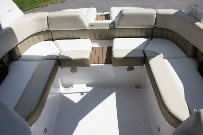 2011 Regal 2300 Bowrider with Trailer Photo 9 of 12