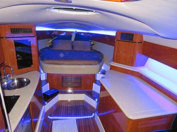 2007 Fountain 38 Express Cruiser Photo 33 of 113