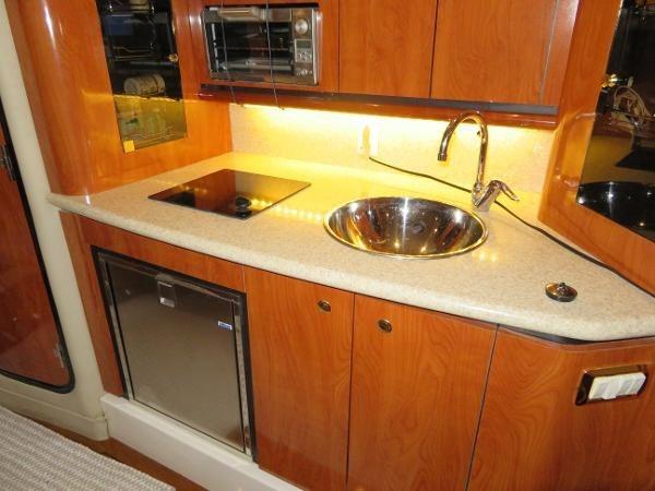 2007 Fountain 38 Express Cruiser Photo 40 of 113