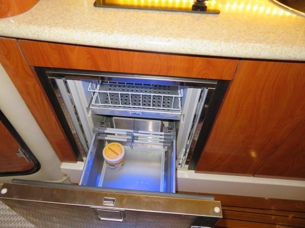 2007 Fountain 38 Express Cruiser Photo 46 of 113