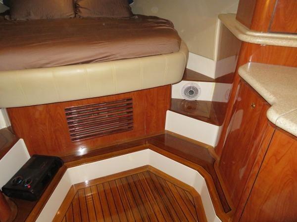 2007 Fountain 38 Express Cruiser Photo 55 of 113