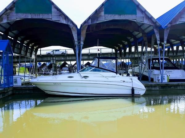 Sea Ray 240 Sundancer 1998 Used Boat For Sale In Richmond British Columbia Boatdealers Ca