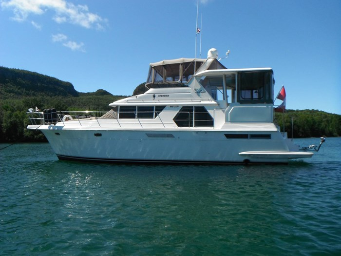 1997 Carver 445 Aft Cabin Motor Yacht Photo 1 of 67