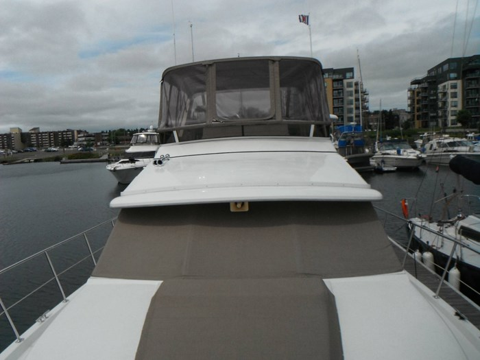 1997 Carver 445 Aft Cabin Motor Yacht Photo 7 of 67