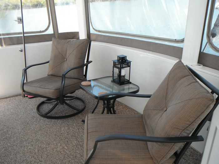 1997 Carver 445 Aft Cabin Motor Yacht Photo 16 of 67