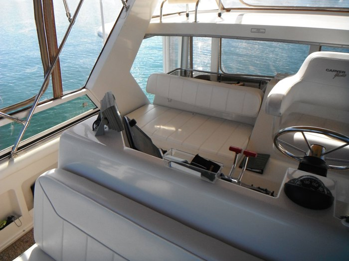 1997 Carver 445 Aft Cabin Motor Yacht Photo 18 of 67