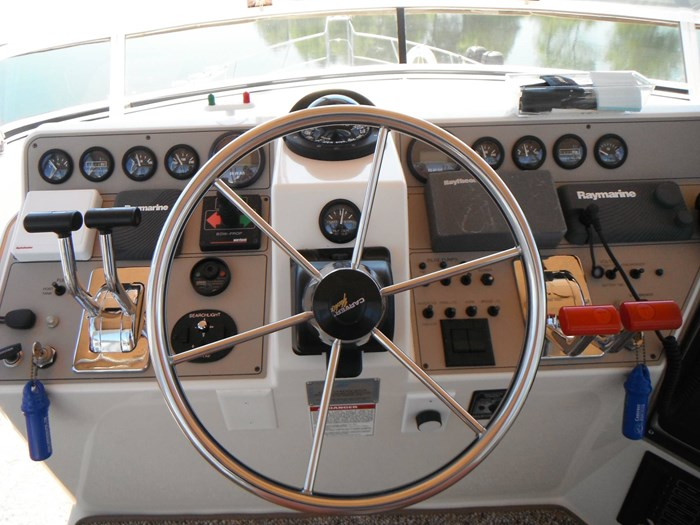 1997 Carver 445 Aft Cabin Motor Yacht Photo 22 of 67