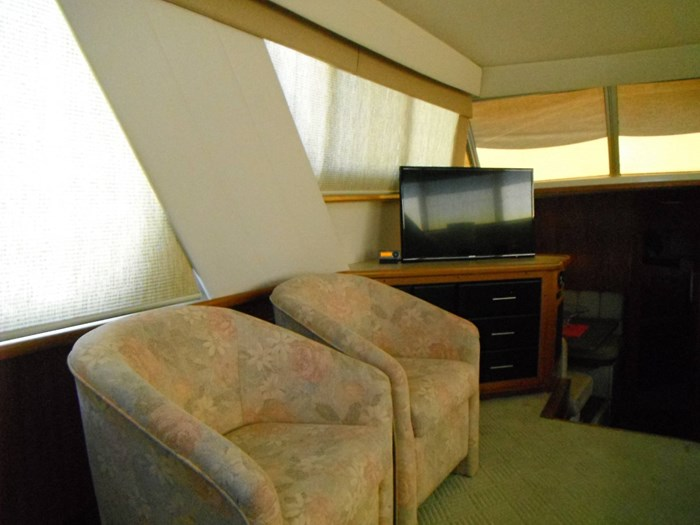 1997 Carver 445 Aft Cabin Motor Yacht Photo 27 of 67