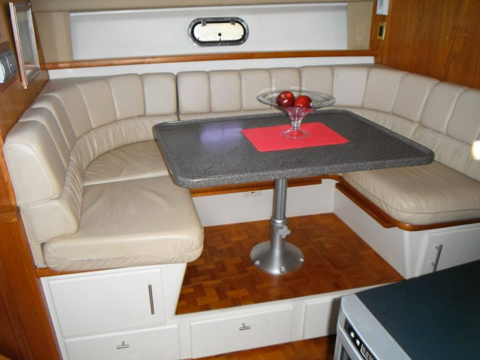 1997 Carver 445 Aft Cabin Motor Yacht Photo 31 of 67