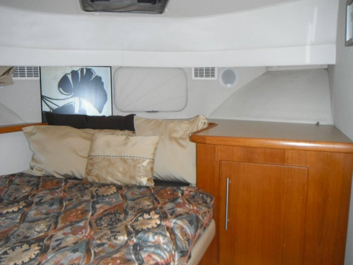 1997 Carver 445 Aft Cabin Motor Yacht Photo 38 of 67