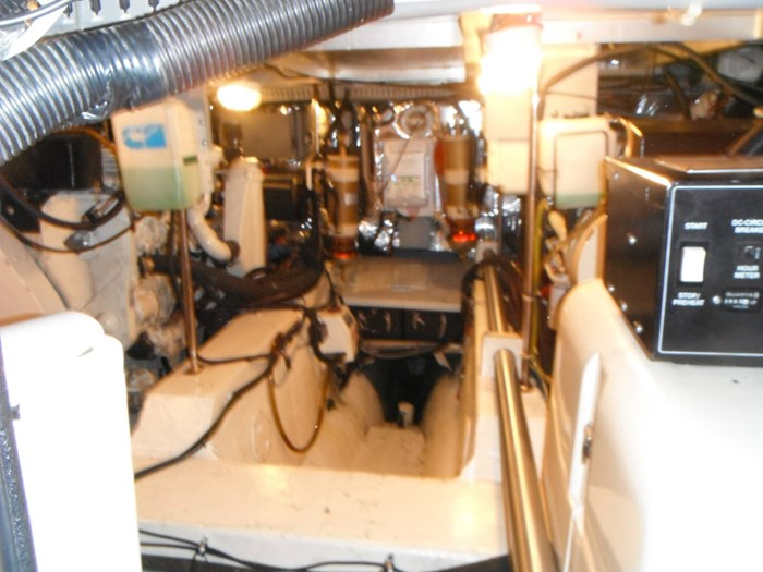 1997 Carver 445 Aft Cabin Motor Yacht Photo 54 of 67