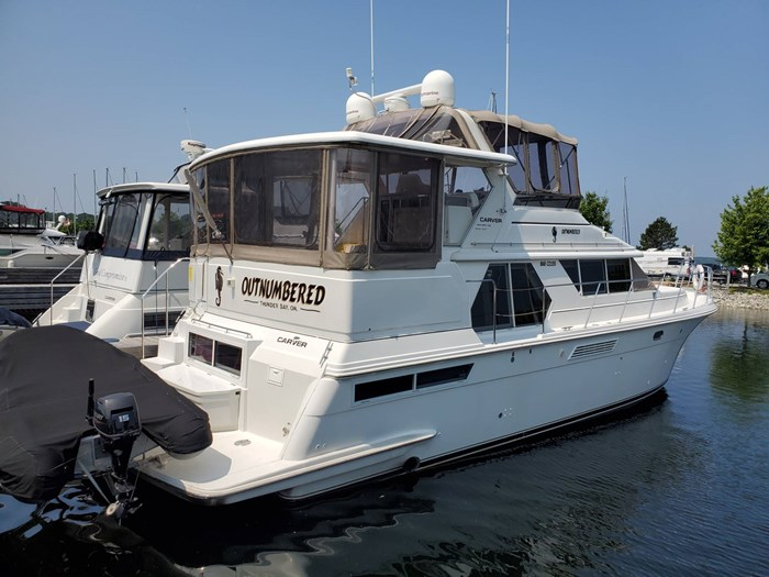 1997 Carver 445 Aft Cabin Motor Yacht Photo 2 of 70