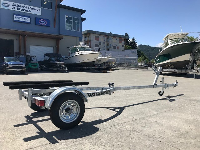 2019 Crestliner Package: 1668 Outreach Boat + 20HP + Trailer Photo 9 of 16