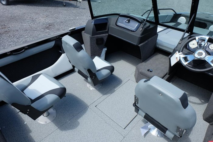 2019 Lowe FS 1800 Merc 115HP Trailer Fish Finder Stereo Photo 7 of 18