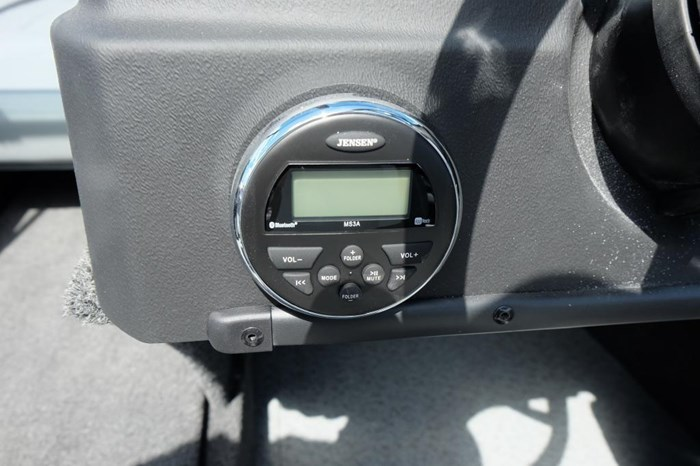 2019 Lowe FS 1800 Merc 115HP Trailer Fish Finder Stereo Photo 11 of 18