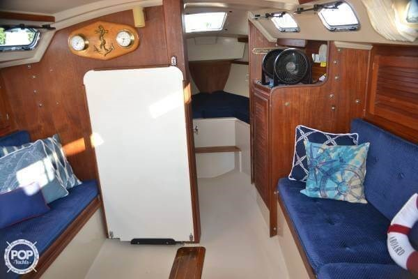 1987 Catalina 30 Photo 2 of 20