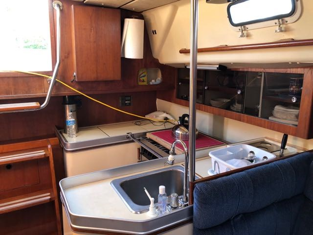 1982 CS Yachts CS 36 Traditional - Sale Pending Photo 7 of 16