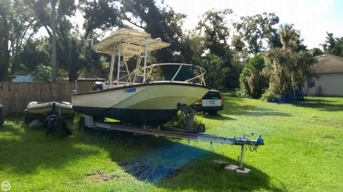 1979 Boston Whaler Outrage V-20 Photo 6 sur 20