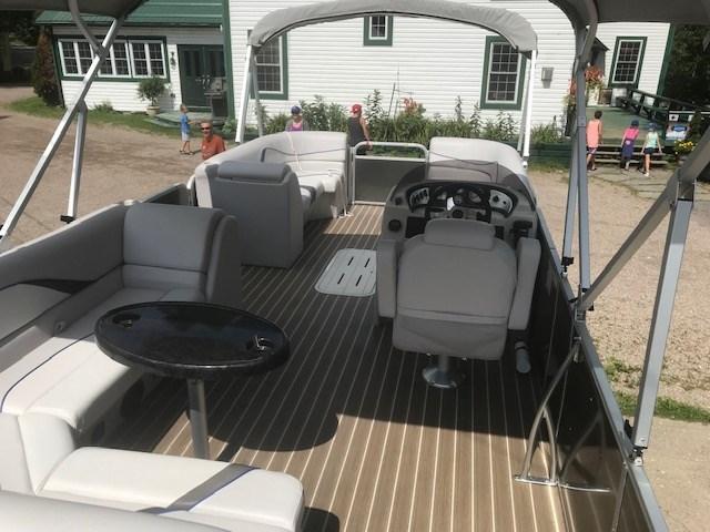 2018 SunCatcher Pontoons by G3 Boats V322 C @ Yamaha VF 150 Photo 4 of 10