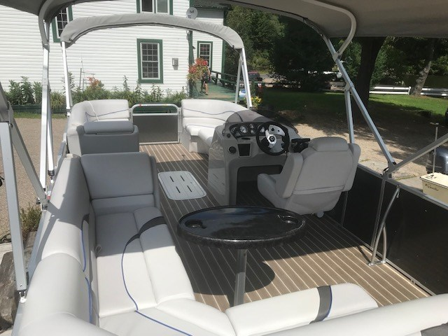 2018 SunCatcher Pontoons by G3 Boats V322 C @ Yamaha VF 150 Photo 5 of 10