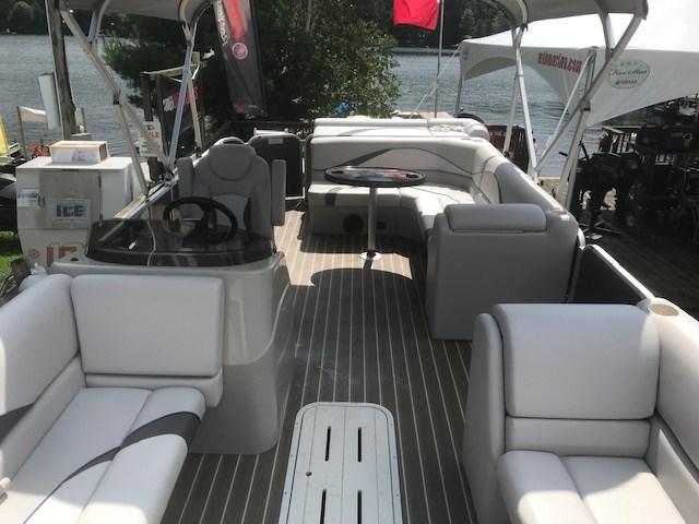 2018 SunCatcher Pontoons by G3 Boats V322 C @ Yamaha VF 150 Photo 7 of 10