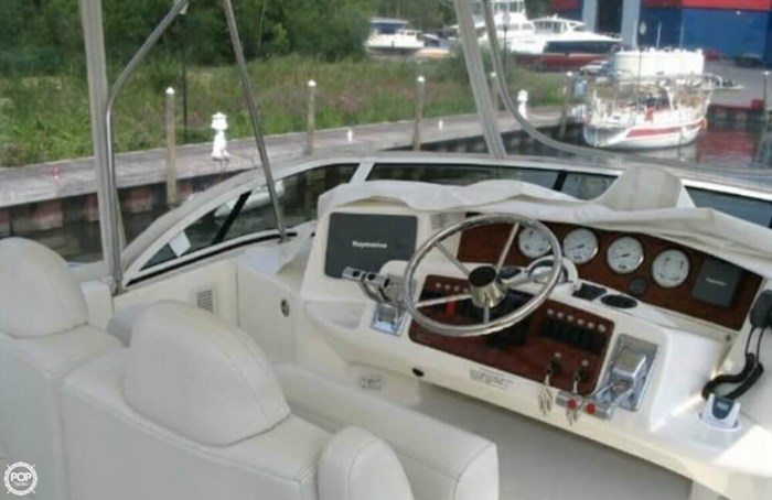 2004 Silverton 35 Motor Yacht Photo 4 sur 20