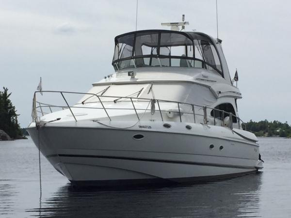 Cruisers Yachts 5000 Sedan Sport 2002 Occasion Bateau à vendre au  Penetanguishene, Ontario - BoatDealers ca