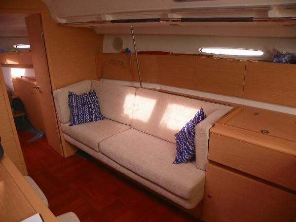 2010 Beneteau First 45 Photo 12 sur 29