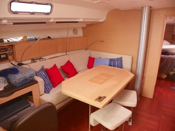 2010 Beneteau First 45 Photo 13 sur 29