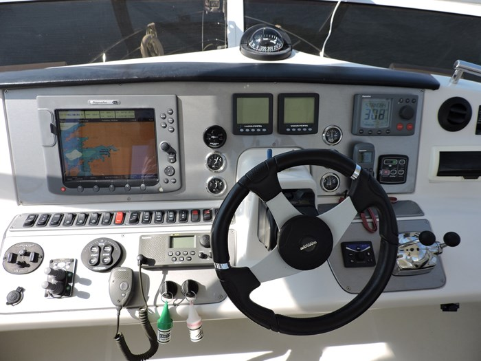 2007 Carver 43 Motor Yacht Photo 32 of 73