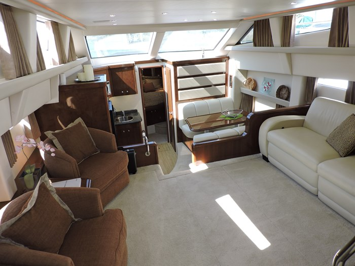 2007 Carver 43 Motor Yacht Photo 37 of 73