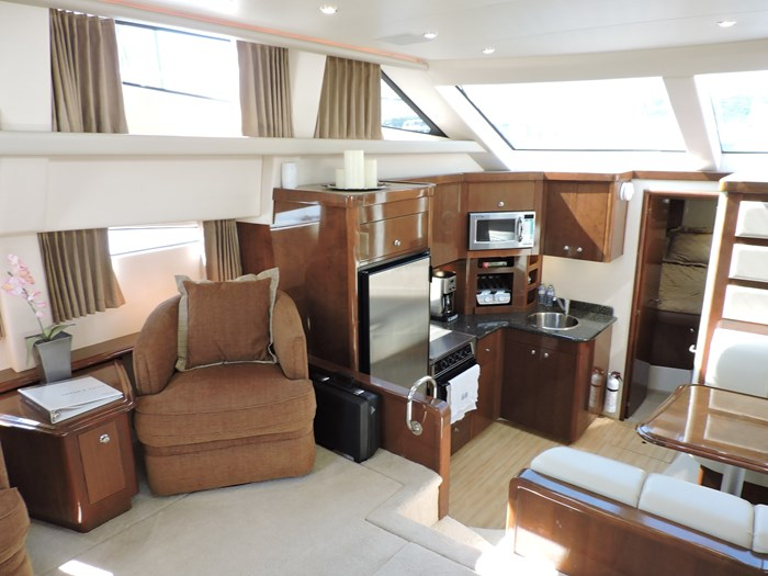 2007 Carver 43 Motor Yacht Photo 40 of 73