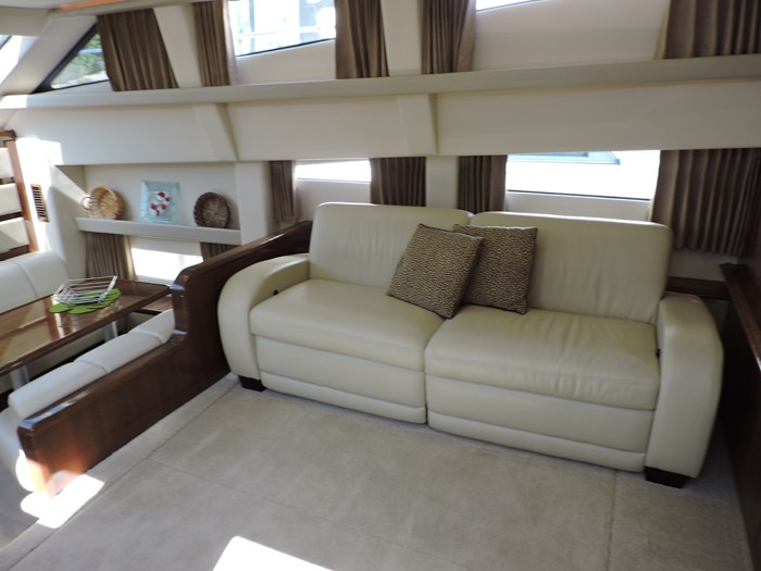 2007 Carver 43 Motor Yacht Photo 43 of 73