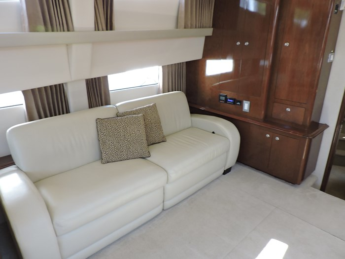2007 Carver 43 Motor Yacht Photo 44 of 73