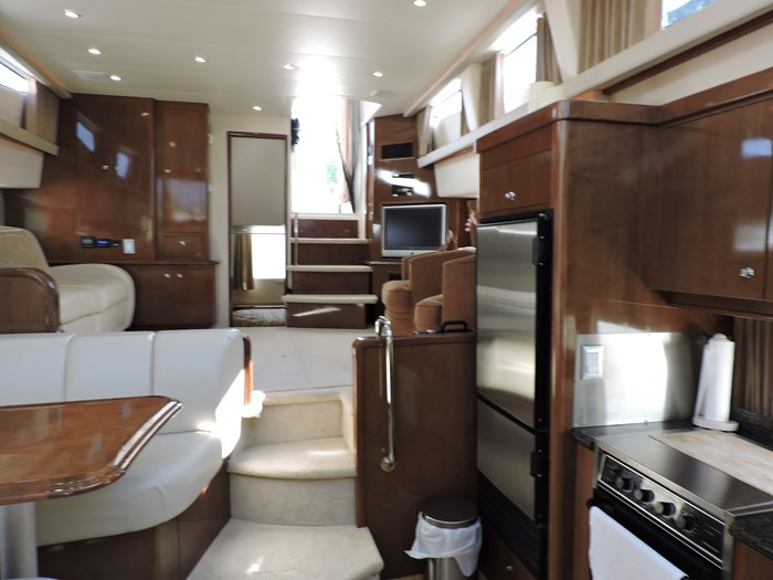2007 Carver 43 Motor Yacht Photo 57 of 73