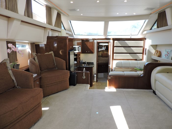 2007 Carver 43 Motor Yacht Photo 58 of 73