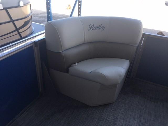 2019 Bentley 180 Cruise w/Yamaha 60 hp Photo 6 of 10