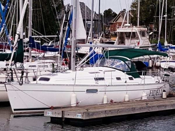 1998 Beneteau Oceanis 321 Sloop Photo 1 sur 29