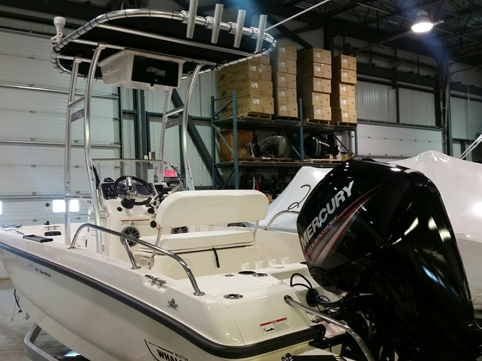 2015 Boston Whaler DAUNTLESS 170 90ELPT CT 4S EFI Photo 6 sur 10
