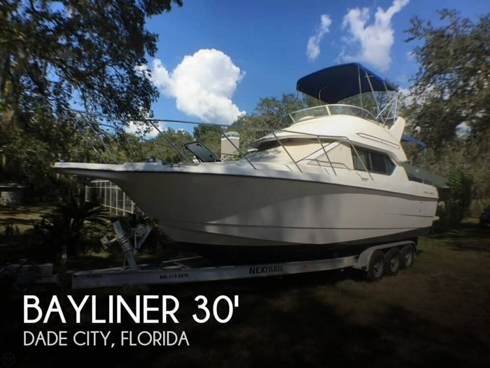 2004 Bayliner 288 Classic Photo 1 sur 20