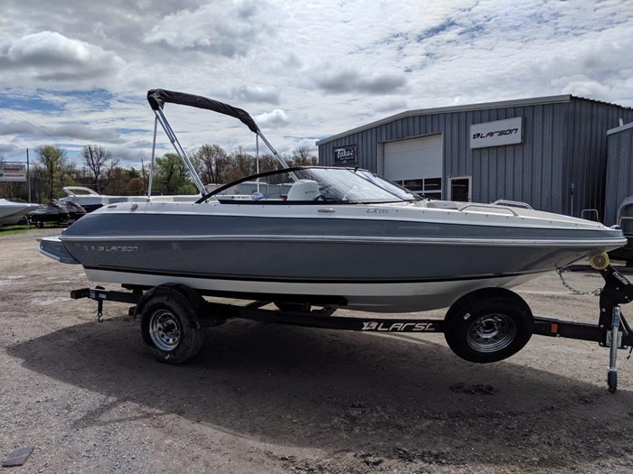Larson LX 195 IO 2019 New Boat for Sale in Rideau Ferry, Ontario -  BoatDealers.ca
