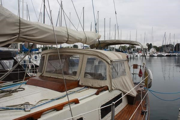 1980 Sloop Woodco Yachts / Given 29 Photo 10 of 42