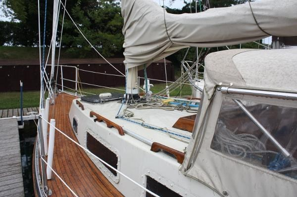 1980 Sloop Woodco Yachts / Given 29 Photo 11 of 42